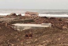 «Βομβαρδισμένο» τοπίο τα παράλια του δήμου Αγιάς από τη θεομηνία – Δείτε βίντεο
