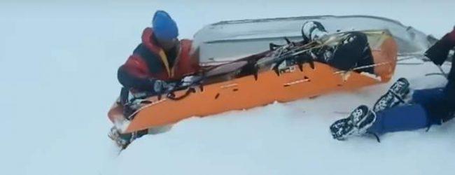 Καϊμακτσαλάν: Η σοκαριστική στιγμή που οι διασώστες βρήκαν τους δύο ορειβάτες θαμμένους στο χιόνι (vid)