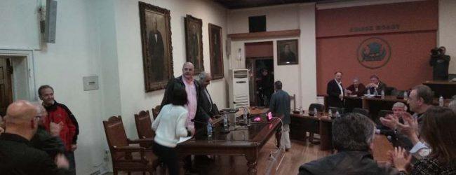 Πήγαν για μαλλί και βγήκαν κουρεμένες οι μειοψηφίες για ΑΓΕΤ –  Πρόταση – σταθμός Μπέου, άτακτη υποχώρηση «ανησυχούντων»