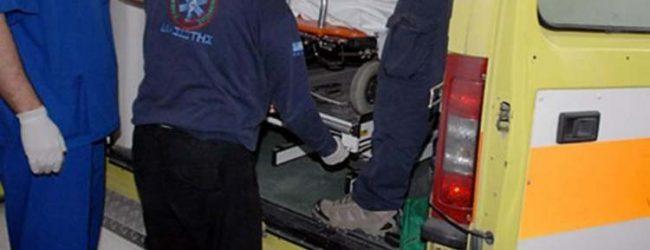 Τραυματίστηκε Λαρισαία με μηχανάκι σε τροχαίο: Ο οδηγός του αυτοκινήτου την εγκατέλειψε