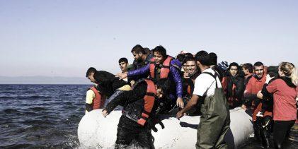 Για εκρηκτική αύξηση των μεταναστών σε Έβρο και νησιά, προειδοποιεί ο Βίτσας