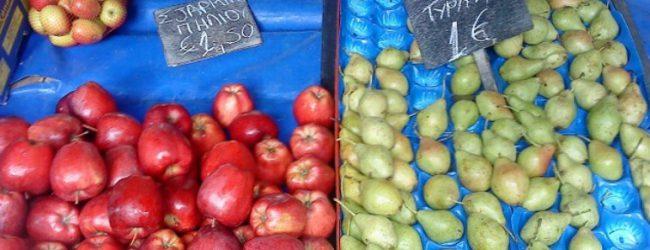 Στο Τμήμα 82χρονος για παράνομο πάγκο φρούτων στη λαϊκή!