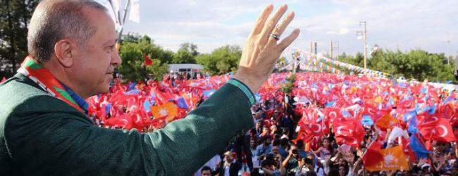 Ερντογάν: Χρεοκοπημένη, τελειωμένη χώρα η Ελλάδα -Δείτε τους δρόμους της