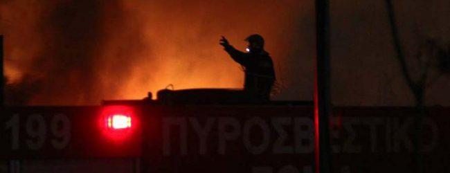 Διαμέρισμα στη Λάρισα τυλίχθηκε στις φλόγες