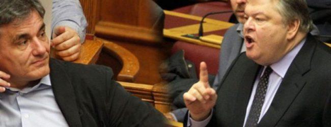 Σαρώνει το Twitter η ατάκα Βενιζέλου «δυστυχώς σηκώνετε και τα πόδια» στον Τσακαλώτο