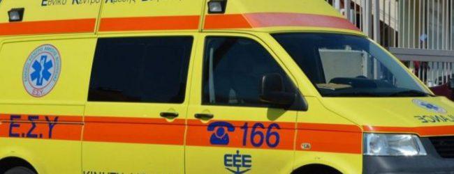 Λάρισα: Ανατράπηκε φορτηγάκι