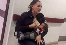 Γυναίκα αστυνομικός στην Αργεντινή θηλάζει εγκαταλελειμμένο μωρό
