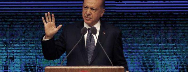 Αντίποινα από τον Ερντογάν -Επιβάλλει κυρώσεις σε 2 Αμερικανούς υπουργούς