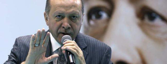 Ερντογάν κατά ΗΠΑ και οίκων αξιολόγησης: Δεν παραδοθήκαμε, δεν θα παραδοθούμε