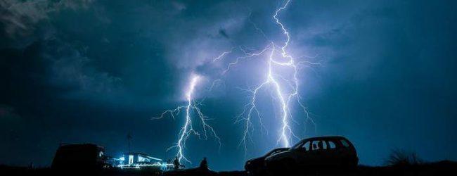Εντυπωσιακές εικόνες: Η ηλεκτρική καταιγίδα που σάστισε τη Θεσσαλονίκη [εικόνες]