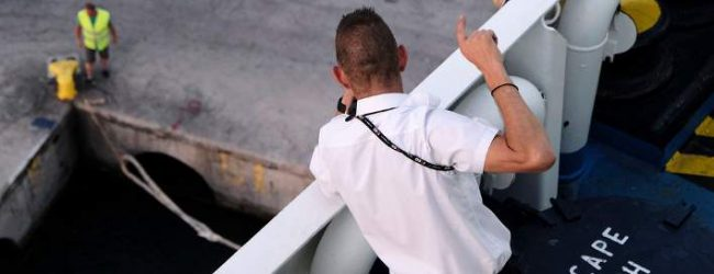 Πάλι χωρίς πλοία, χιλιάδες εγκλωβισμένοι στα νησιά-Τι γράφει ο ξένος τύπος