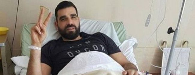 Γέλασε το Twitter με τον …ξυλοδαρμό του Κωνσταντινέα: Πώς βγήκε ατσαλάκωτος; [εικόνες]