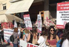 Διαμαρτυρία στο ΥΠΕΣ για τους παιδικούς σταθμούς -«Πάνω από 65.000 αιτήσεις για εγγραφή απορρίφθηκαν» (photos & vid)