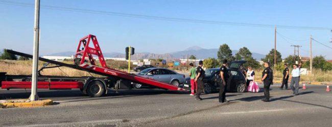 Σύγκρουση αυτοκινήτων στη Λάρισα – Ένας τραυματίας στο Νοσοκομείο (φωτό)