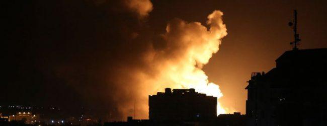To Ισραήλ σφυροκόπησε τη Γάζα – Χτύπησε δεκάδες στόχους της Χαμάς [εικόνες]