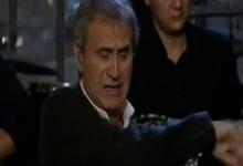 Βίντεο: «Λύγισε» ο Νταλάρας – Τα δάκρυα για τον Μάνο Ελευθερίου και το «χαστούκι» στο μικρόφωνο