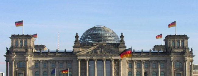 Βερολίνο για τις συντάξεις: «Εικασίες» τα δημοσιεύματα περί μη περικοπής